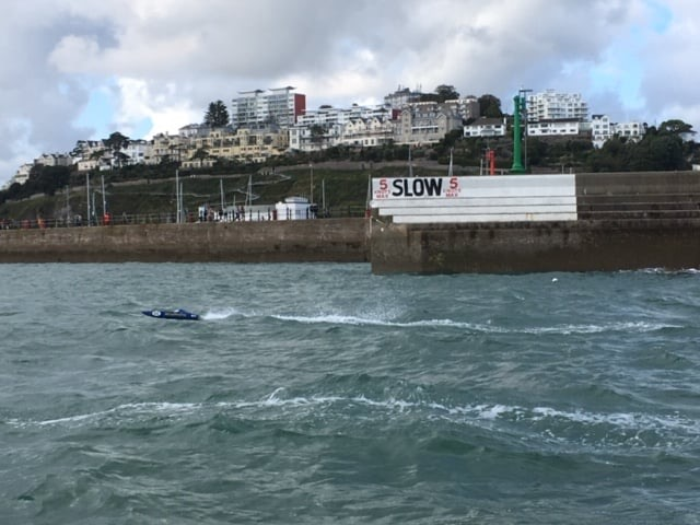 TORQUAY HARBOUR - A-X CHASE BOAT RACE (RACE 4)